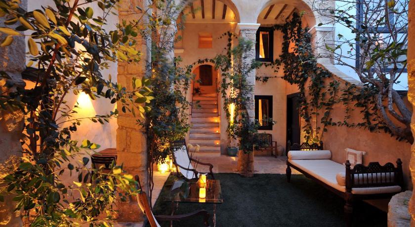 hoteles con encanto en cádiz  355