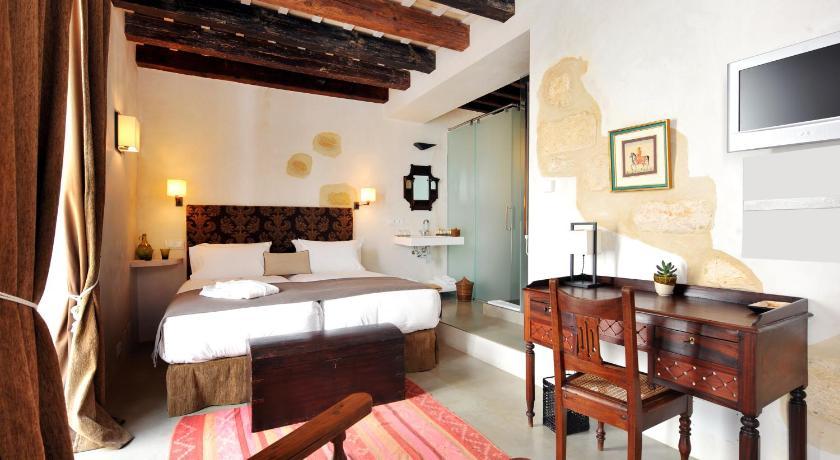 hoteles con encanto en cádiz  360