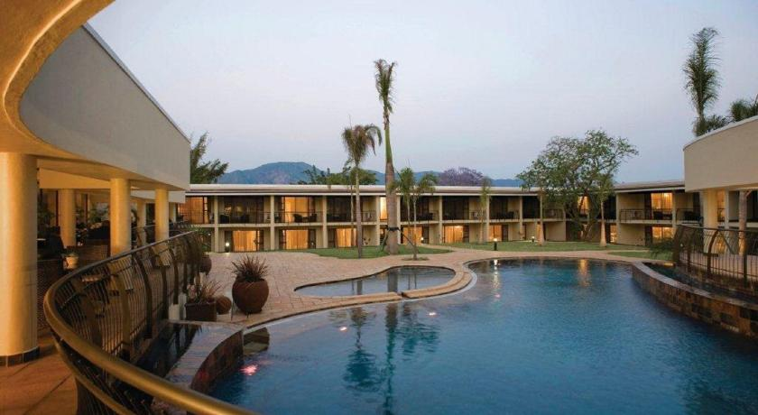 Hy Valley Hotel And