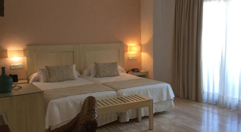hoteles con encanto en cádiz  232