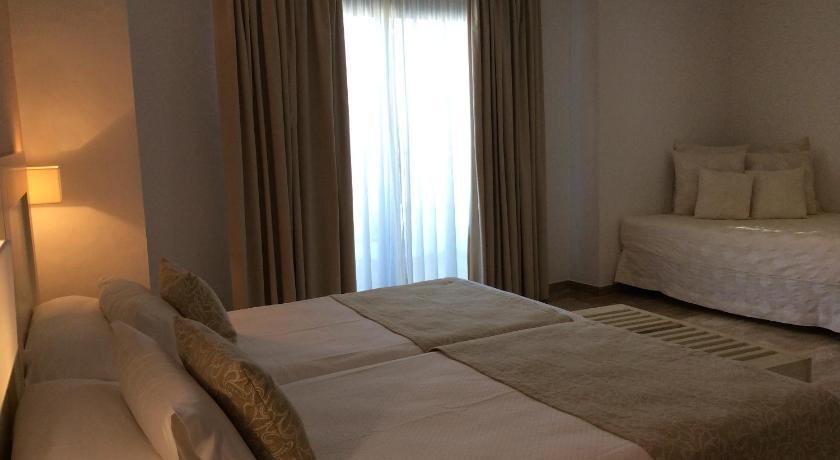 hoteles con encanto en cádiz  235