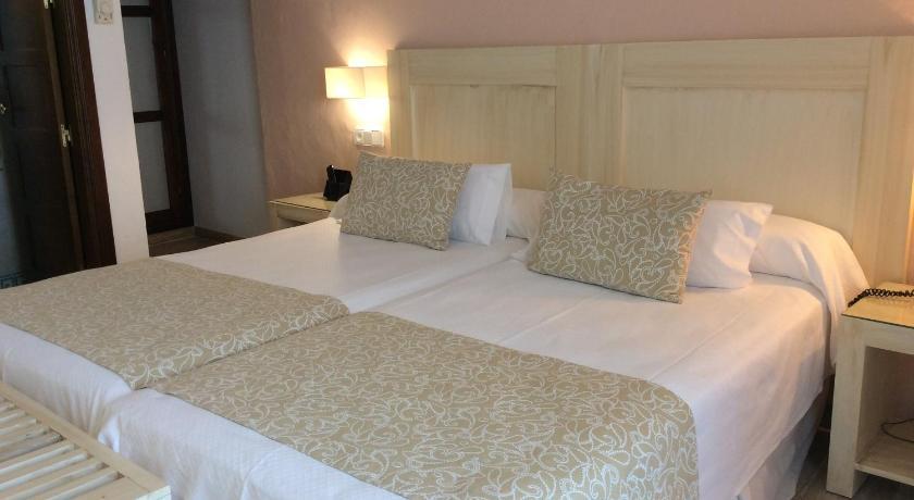 hoteles con encanto en cádiz  244