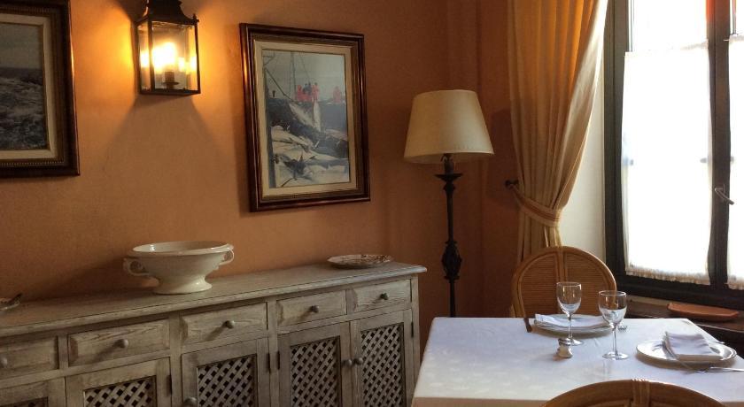 hoteles con encanto en cádiz  257