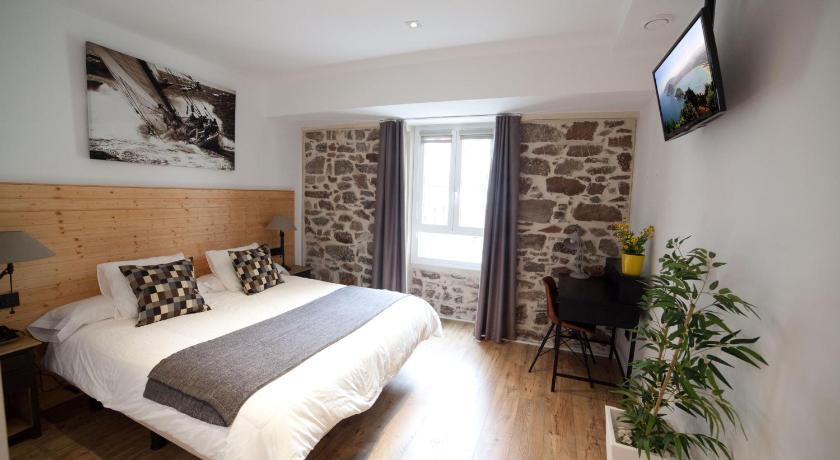 Casa nicolasa online buchen bed breakfast europe for Diseno de interiores san sebastian