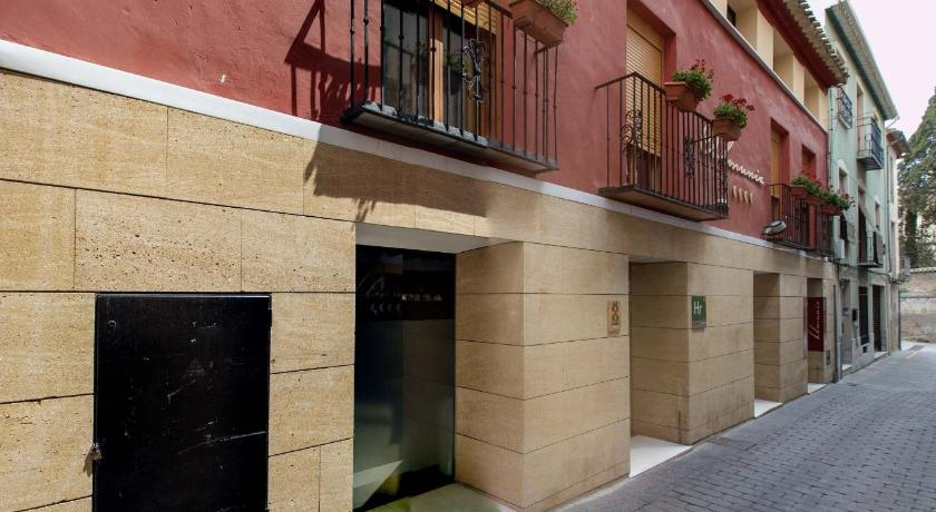 Hotel Almunia 9