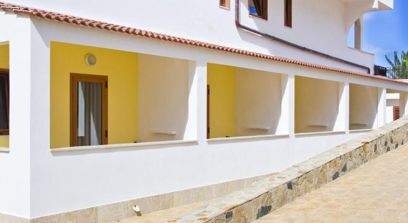 Double or Twin Room with Courtyard View - Entrance Forte Hotel
