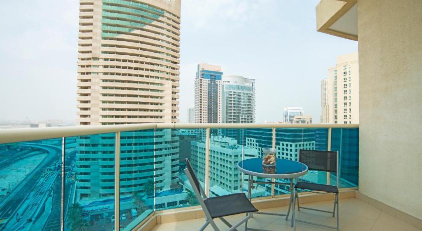 Dubai To Stay - Yacht Bay: