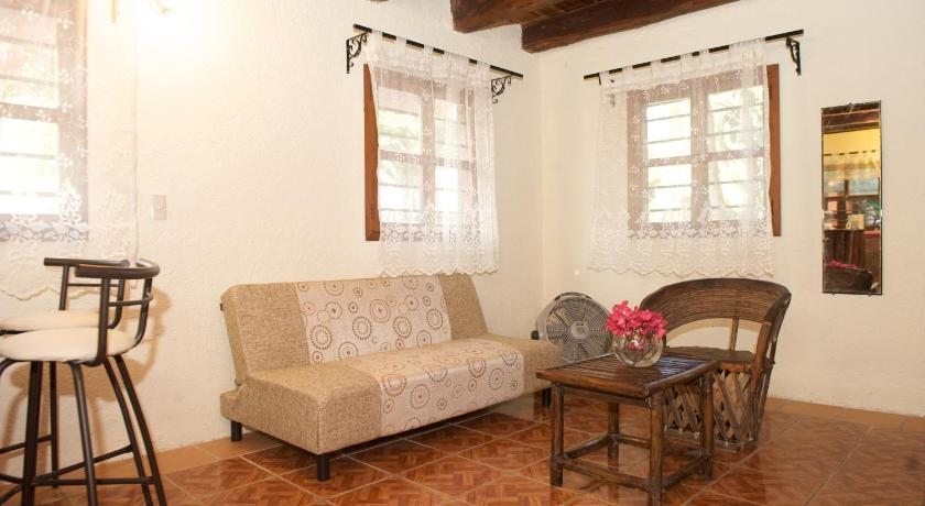 Separate living room Casa Guayaba