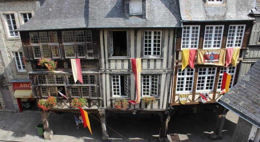 rue de l'Apport Исторические памятники Динана, достопримечательности Динана, фотографии Динана