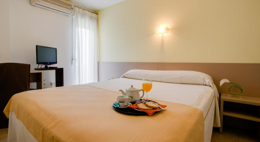 Double or Twin Room - Guestroom Hotel Felix