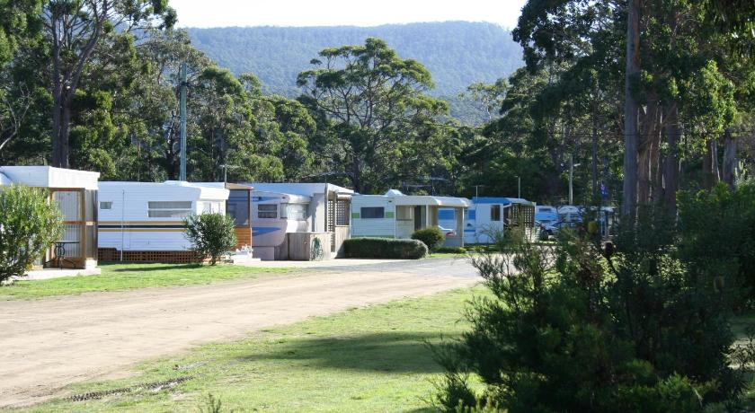 Caravan (4Pax) Captain Cook Holiday Park