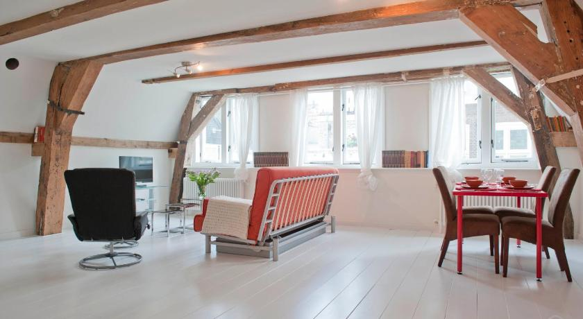 Best Price on Old City Centre apartments - Red Light ...