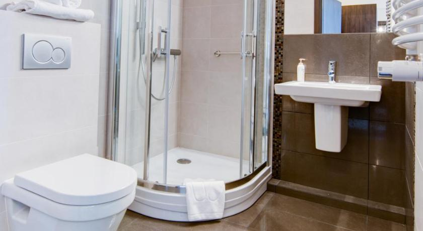 Twin Room - Bathroom Hotel Figa