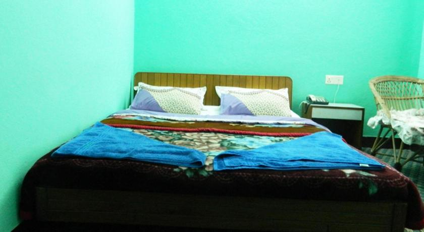 Standard Double Room - Bed Mount Annapurna Guest House
