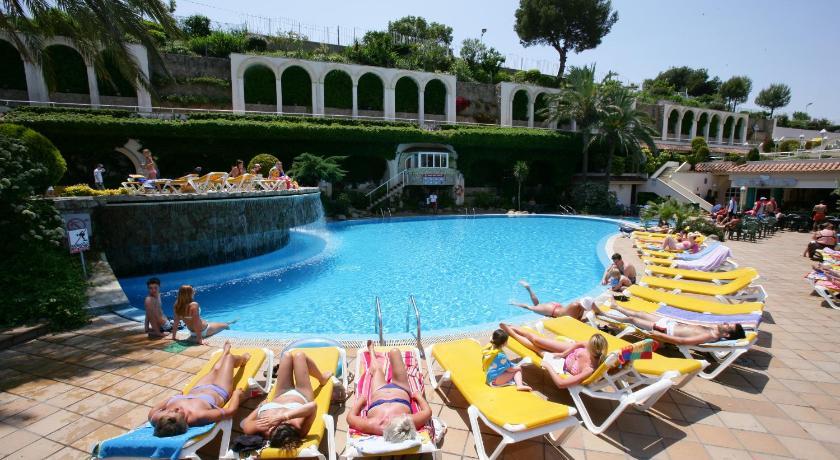 Best Price On Hotel Guitart Gold Central Park Aqua Resort In Lloret De Mar Reviews