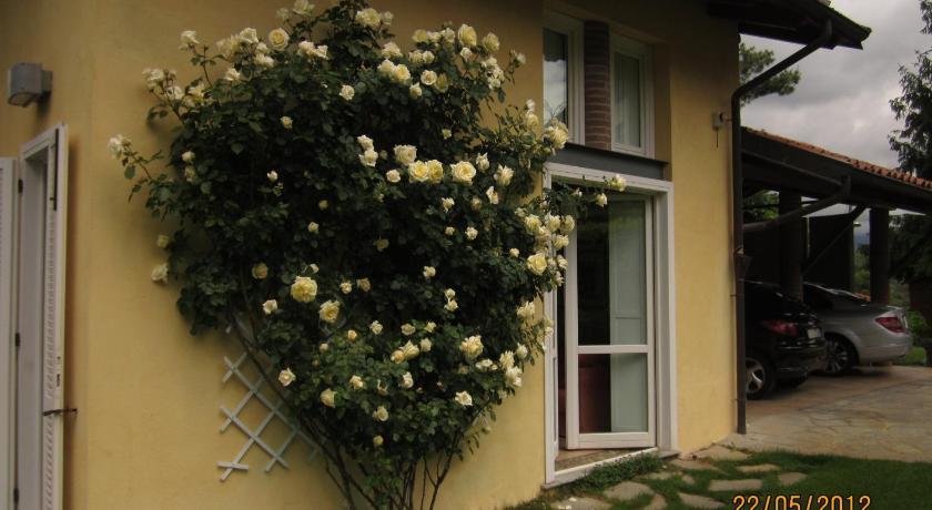 Casetta delle Rose Via Santuario di Oropa 90 Biella