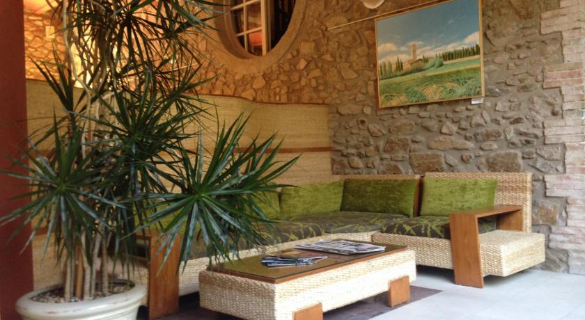 boutique hotels in maçanet de cabrenys  41