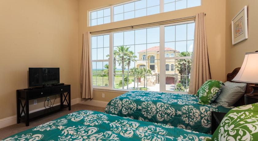 Windows on the Sea by Vacation Rental Pros