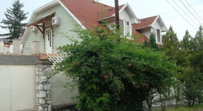 Szilvia Apartmanház Petőfi Sándor utca 28. Eger