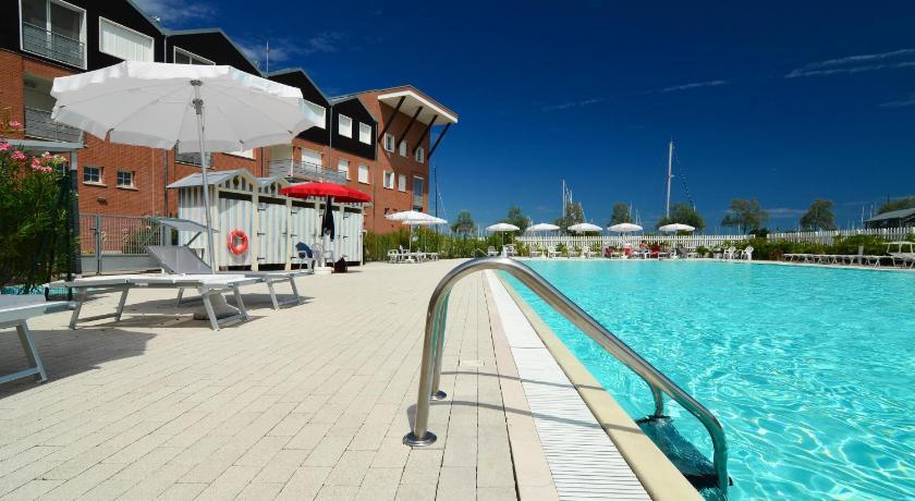 Best Price on Marina di Ravenna Halldis Apartments in Marina Di ...