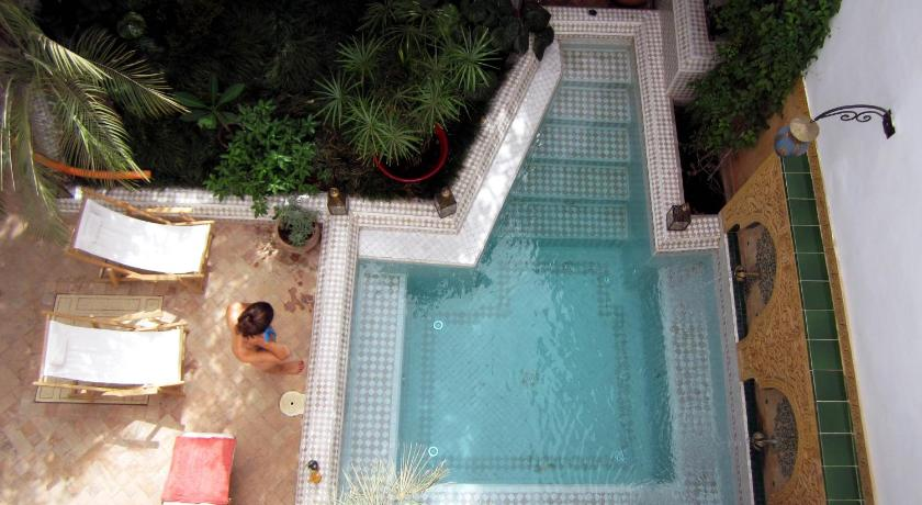 Swimming pool Riad Dombaraka