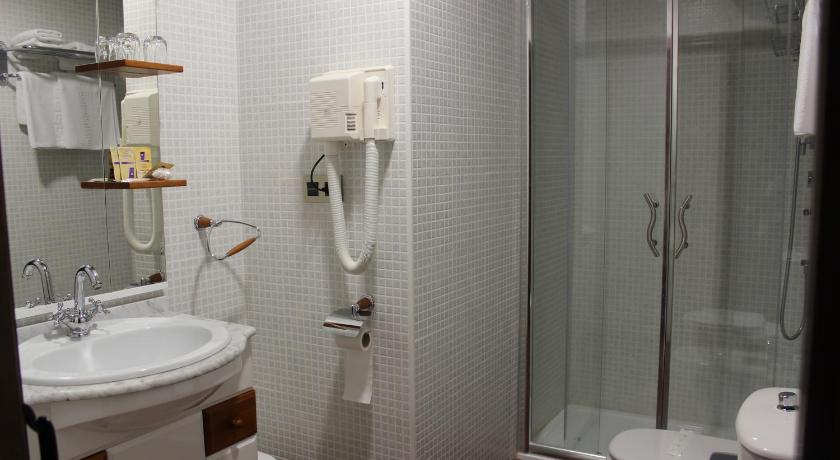 hoteles con jacuzzi en la habitaciÓn en Jaén  Imagen 11