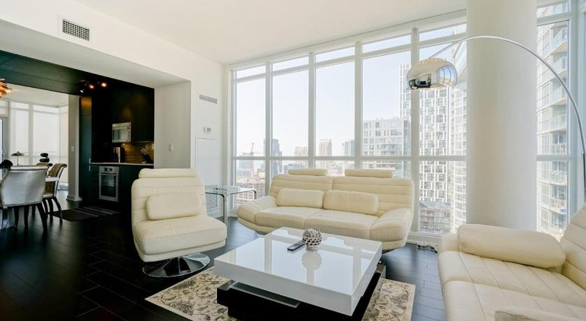 Penthouse Apartment - Separate living room Hydewest - Capreol Luxury Furnished Penthouse Apartment
