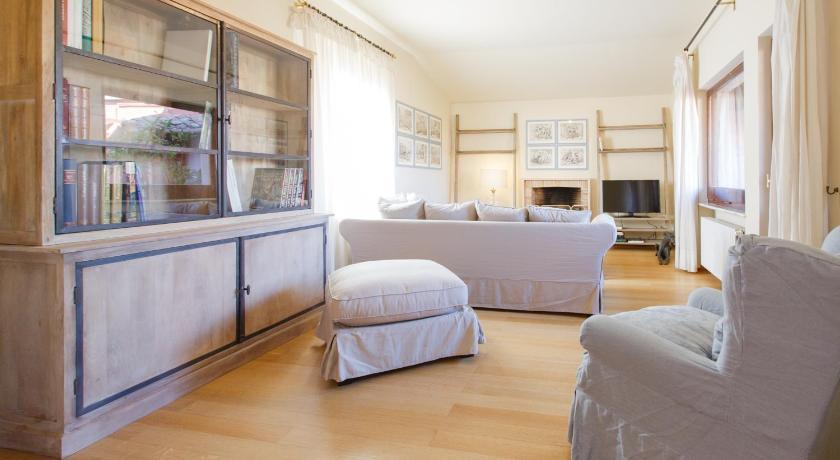 ... Habitatu0027s Attic Spanish Steps 4 Bedrooms Via Frattina ... & Habitatu0027s Attic Spanish Steps 4 Bedrooms - Rome | Bedandbreakfast.eu