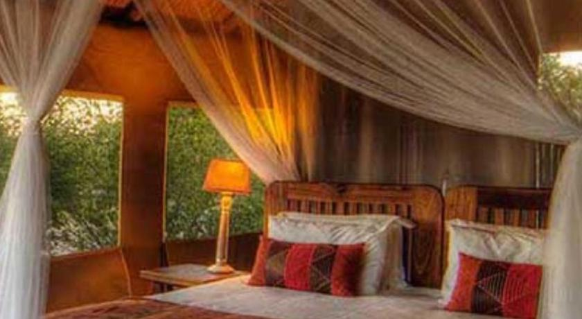 Luxury Tent  with Private External Bathroom Dinaka Safari Lodge