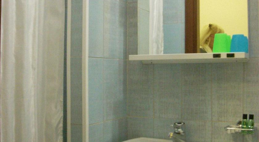 Single Room - Bathroom Hotel Tuscolano