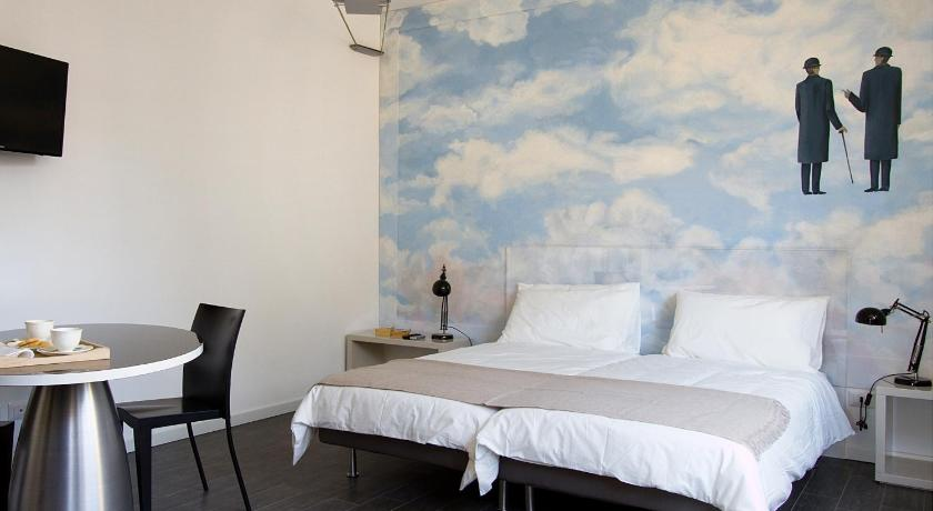 Bnb hello milano milan for Bed and breakfast milano