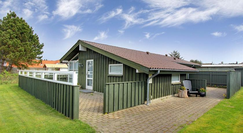 Holiday home Højensvej D- 192