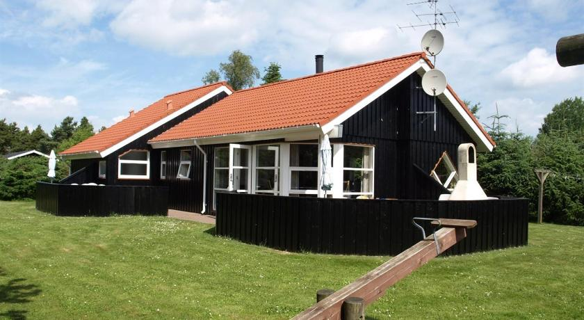 Holiday home Brombærvej F- 690