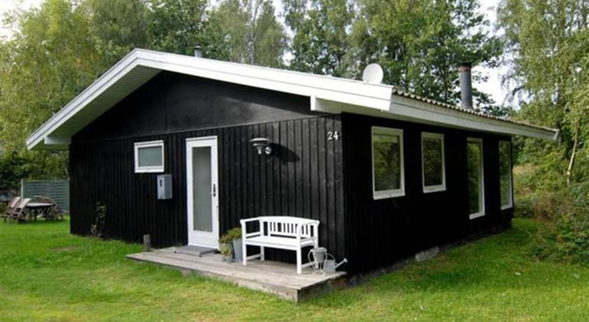 Holiday home Holmegårdsvej D- 1816