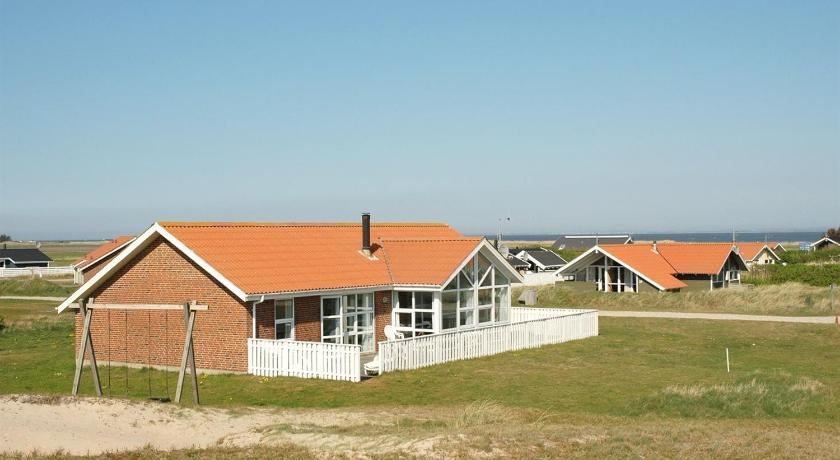 Holiday home Laust B- 2670