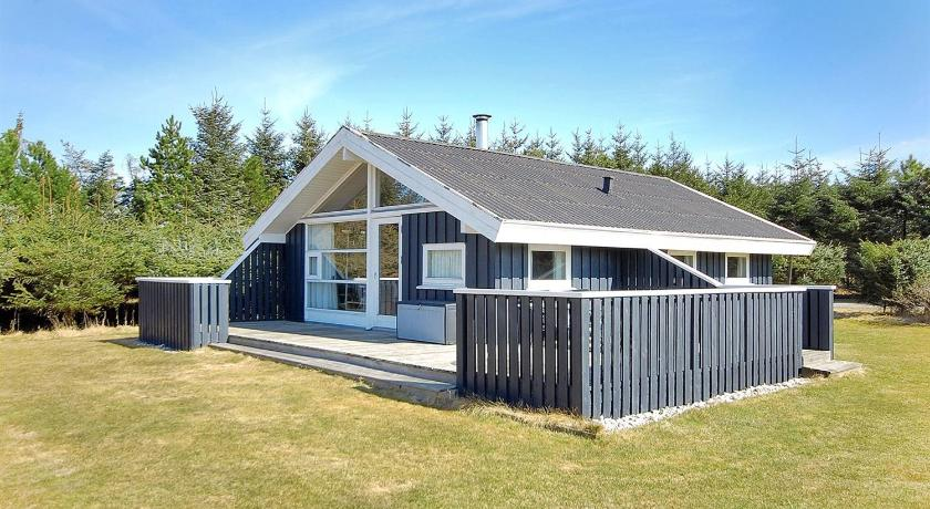 Holiday home Odavej H- 3284