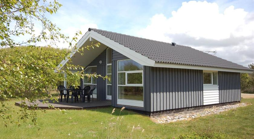 Holiday home Rørsangervej F- 3818