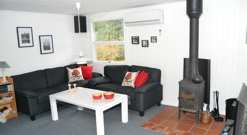 Holiday home Sneppen H- 4220