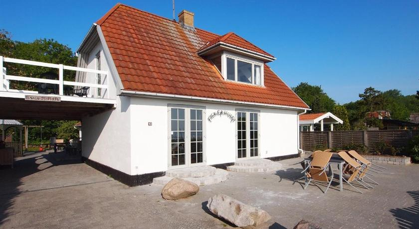 Holiday home Strandbakken E- 4505