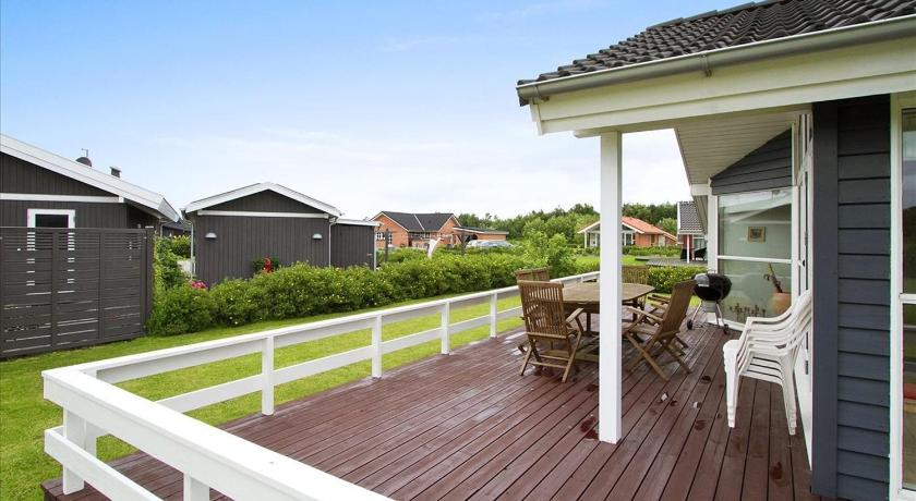 Three-Bedroom Holiday Home Holiday home Strandparken G- 4587