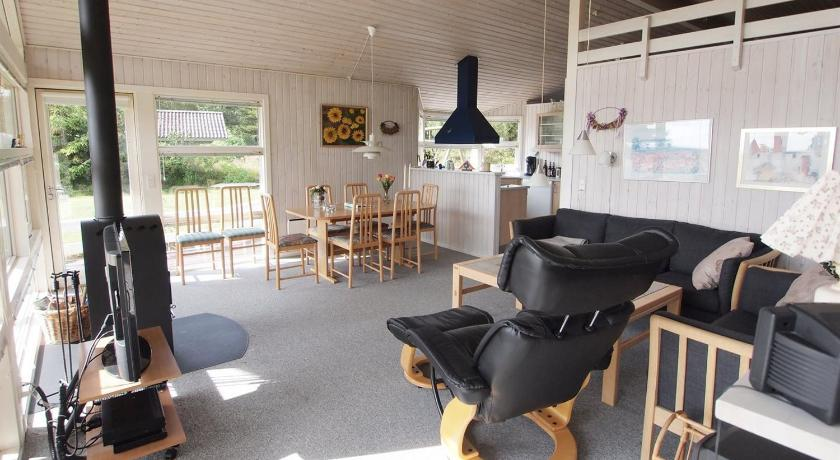 Three-Bedroom Holiday Home Holiday home Toldervej C- 4855