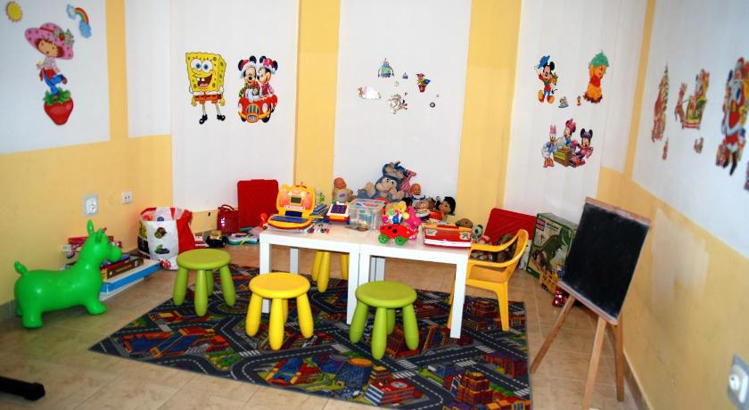 Kid's club Willa Żółta Róża