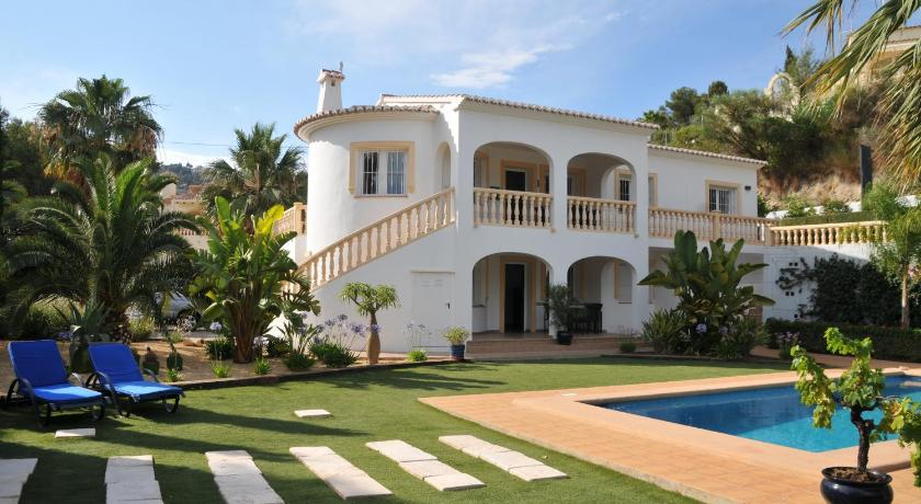 More about Villa Casa Sonrisa