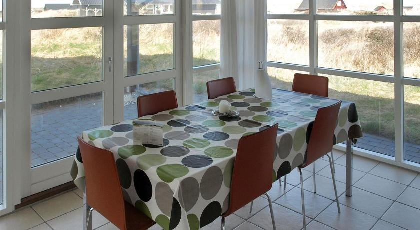 Three-Bedroom Holiday Home Holiday home Kystmarken E- 2545