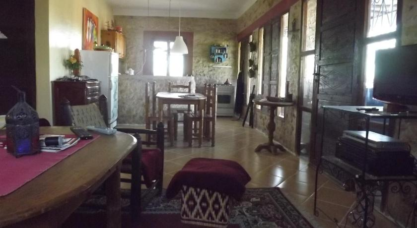 Three-Bedroom House Dar Sita