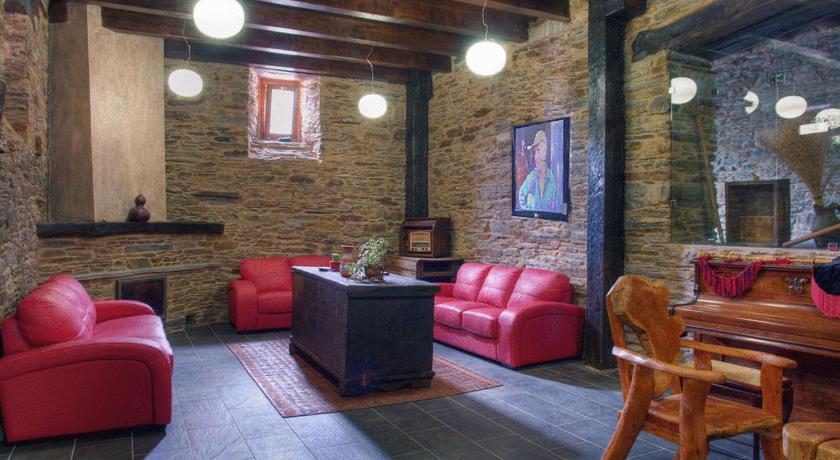 Casa do Fidalgo Lugar de Machuco, 1 Neipín