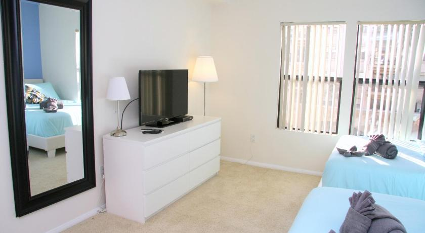 Guestroom Downtown Resort Style Unit 1D