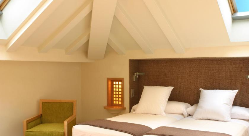 hoteles con encanto en granada  464