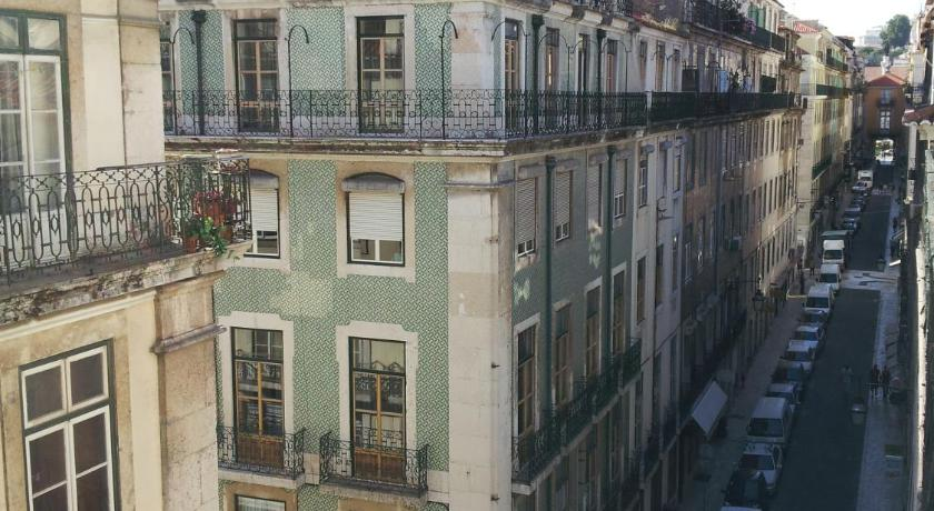 Low Cost Lisbon Apartments - Vintage