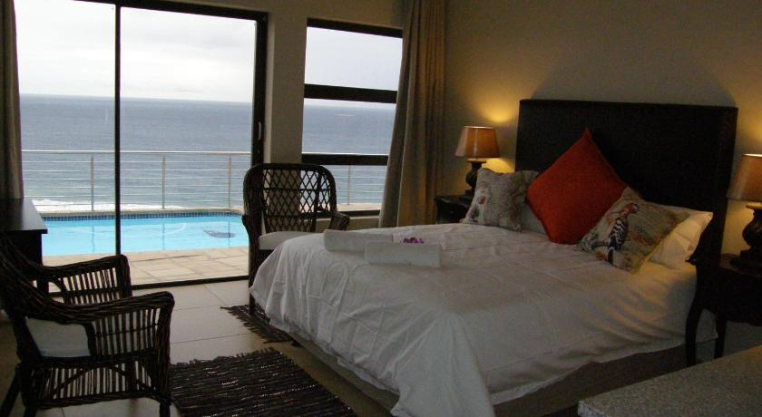 Queen Room to Pool with Sea View - Изглед Zimbali View Eco Guesthouse